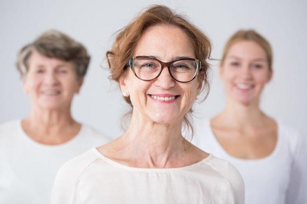 Три поколения женщин