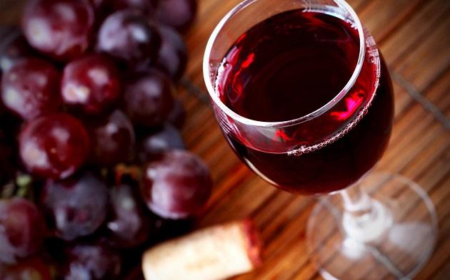 Бокал красного вина
