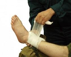 Классификация кровотечений. Временная и окончательная остановка наружного кровотечения. Способы остановки наружного кровотечения на каждом этапе медицинской эвакуации.